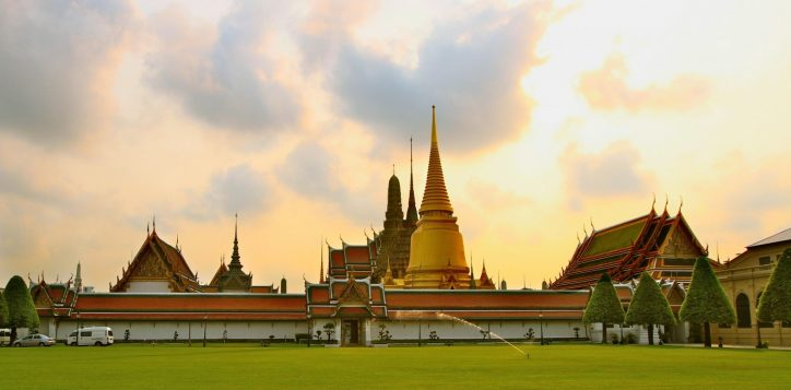 destination-temple_of_the_emerald_buddha-2-2