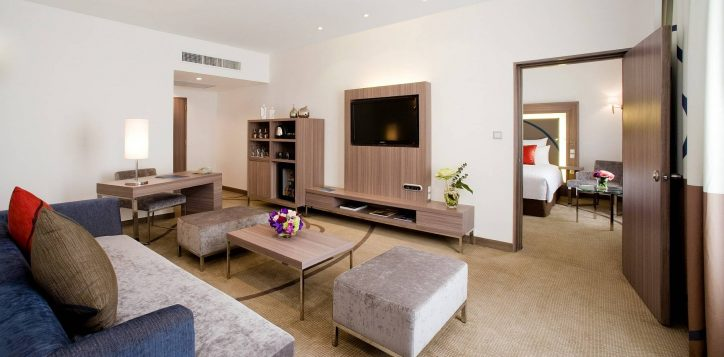 one-bed-room-suite-011-2