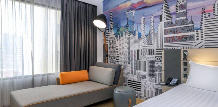 deluxe-room-sofa-2